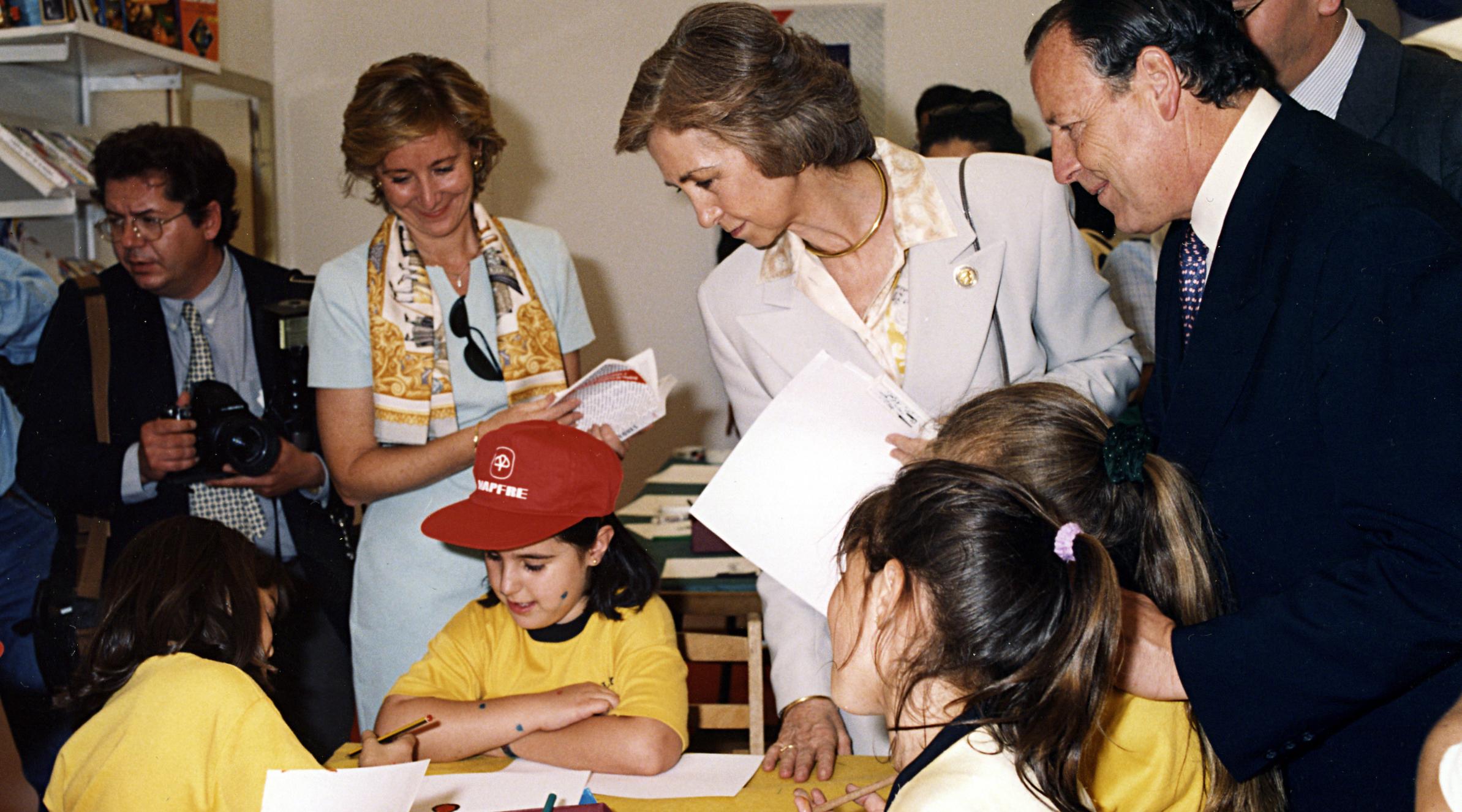 Visita de la reina al taller organizado por MAPFRE
